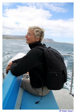 Ela genießt die Whale Watching Tour